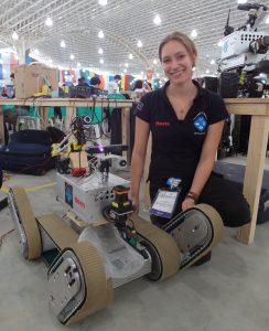 Rescue-Roboter Obelix des Teams Hector Darmstadt, Teammitglied Dorothea Koert